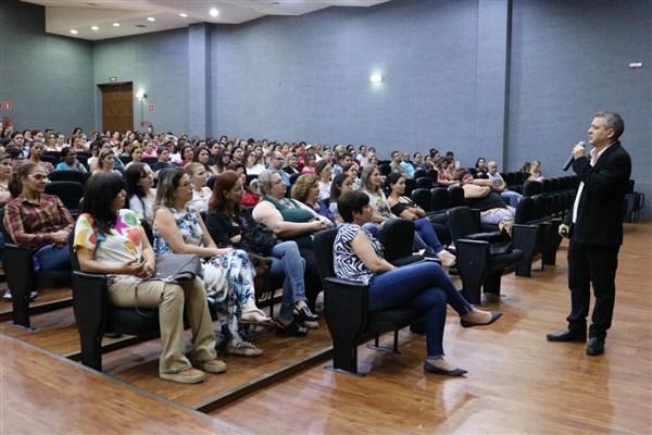 palestra educacao escola